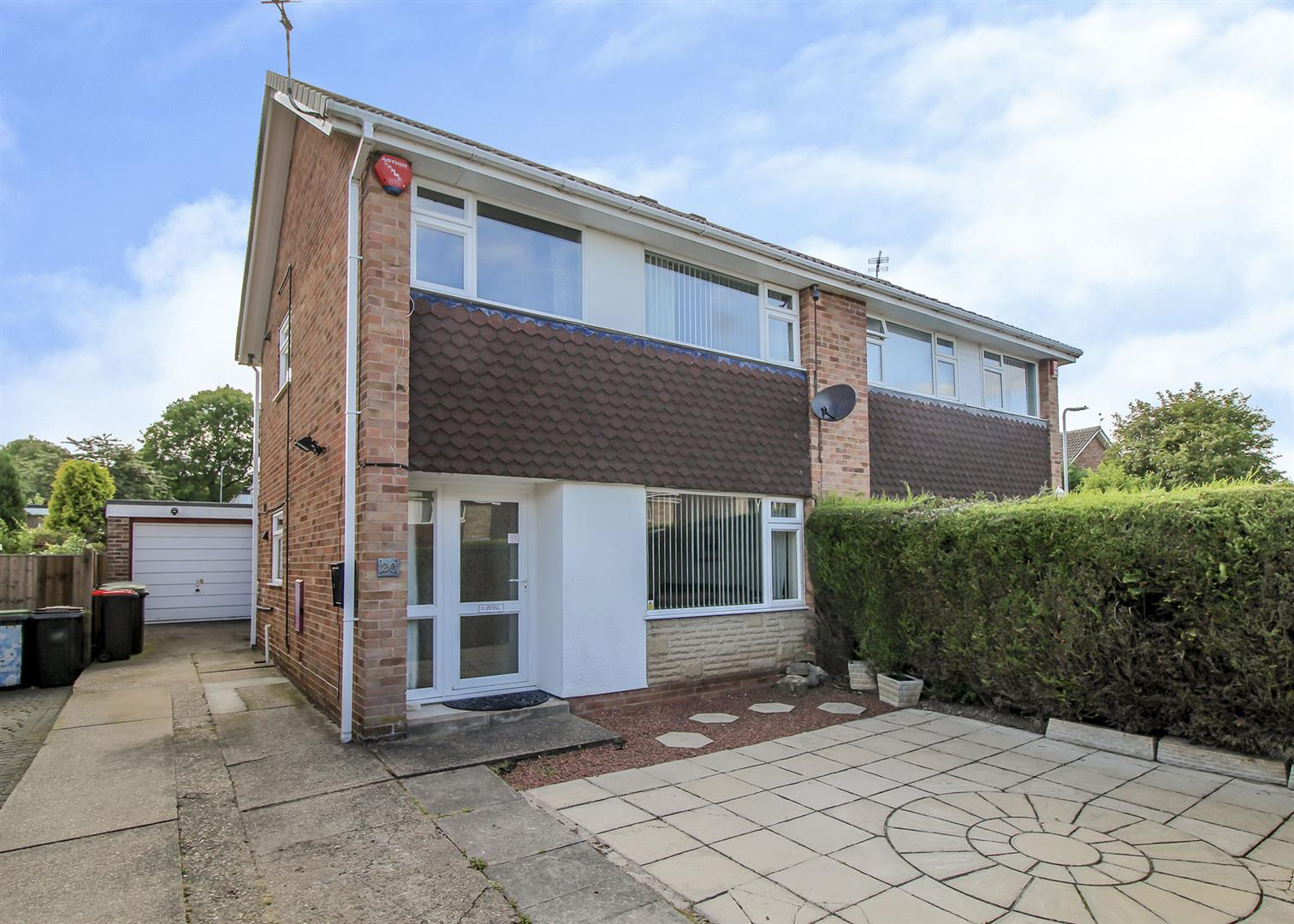 3 Bedrooms Semi Detached House for sale in Northdown Drive, Chilwell